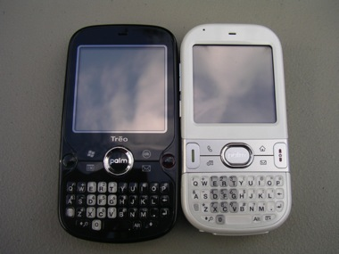 Unboxing video and shots of the new Palm Treo Pro