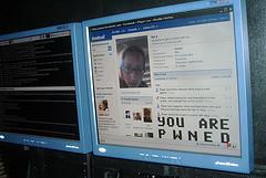 Cross-network worm squirms through Facebook, MySpace