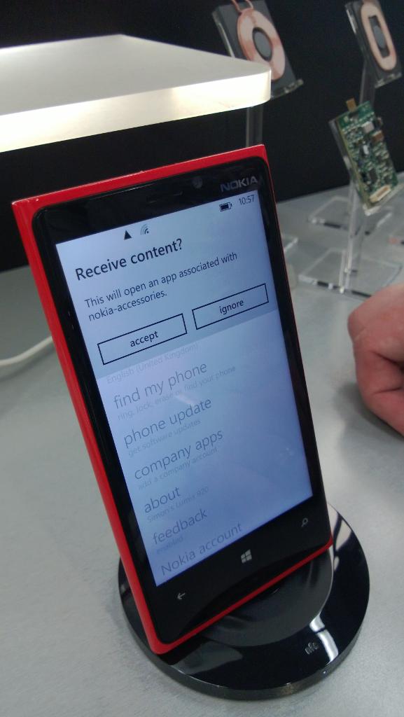 Nokia wireless charging cradle
