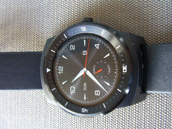 Front of the LG G Watch R
