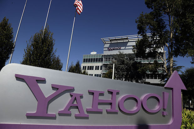 White House threatened to bankrupt Yahoo in 2008