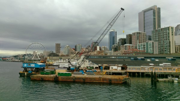 HTC One M9: Seattle barge