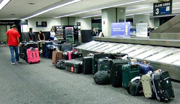 airport-luggage-600.jpg