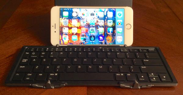 iPhone 6 Plus with the Jorno Folding Keyboard
