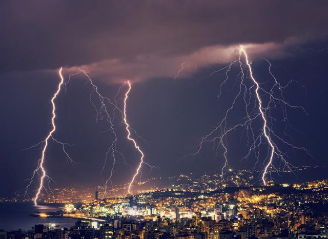 cloud-lightning-strikes-thumb.jpg