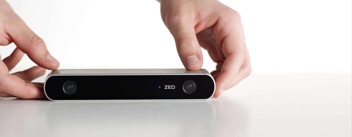 zed-3d-scanner-in-hands.jpg