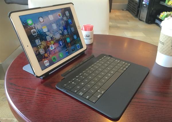 Typo Keyboard iPad Air 2