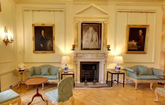 10 Downing Street: Royalty