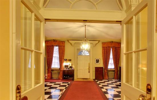 10 Downing Street: Entrance hallway