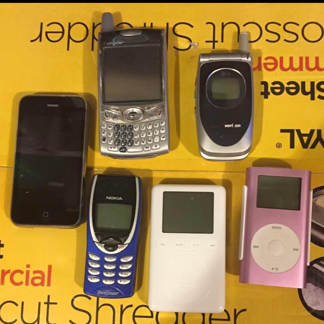oldies-smartphones.jpg