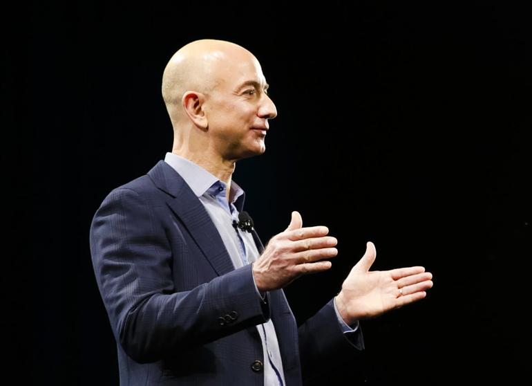 Vidéo : Amazon, Andy Jassy va remplacer Jeff Bezos à la tête du groupe