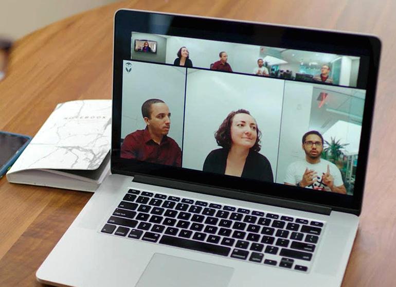 meeting-owluk-laptop.jpg