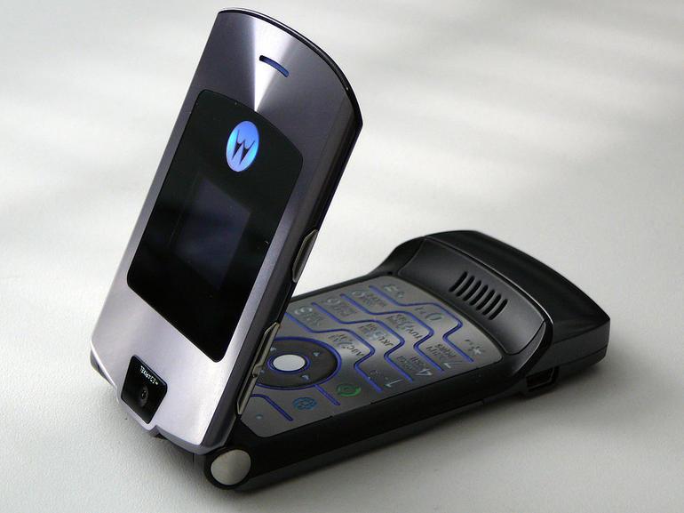 motorola-razr-flip-phone1.jpg