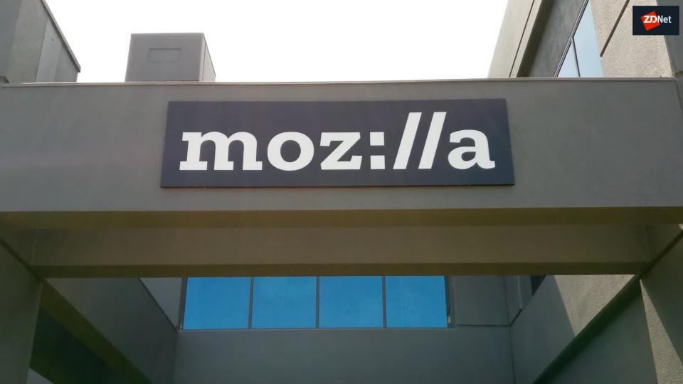 mozilla-fenix-new-android-browsers-intri-5c49ab7860b2b586408754da-1-jan-24-2019-12-14-06-poster.jpg