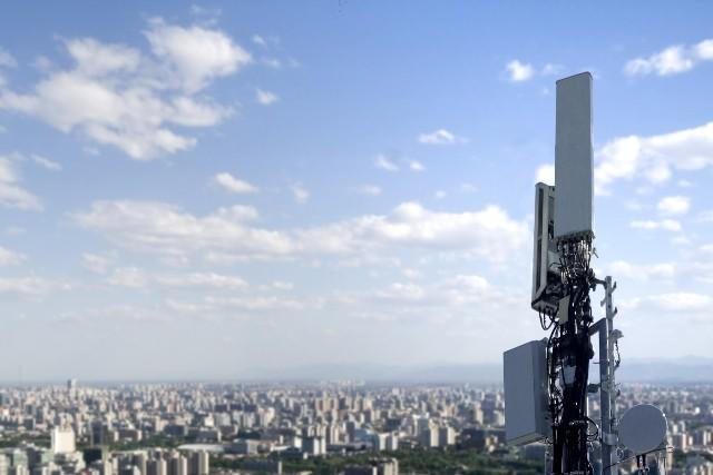 190516-01-5g-r4-huawei-1-1-antenna.jpg