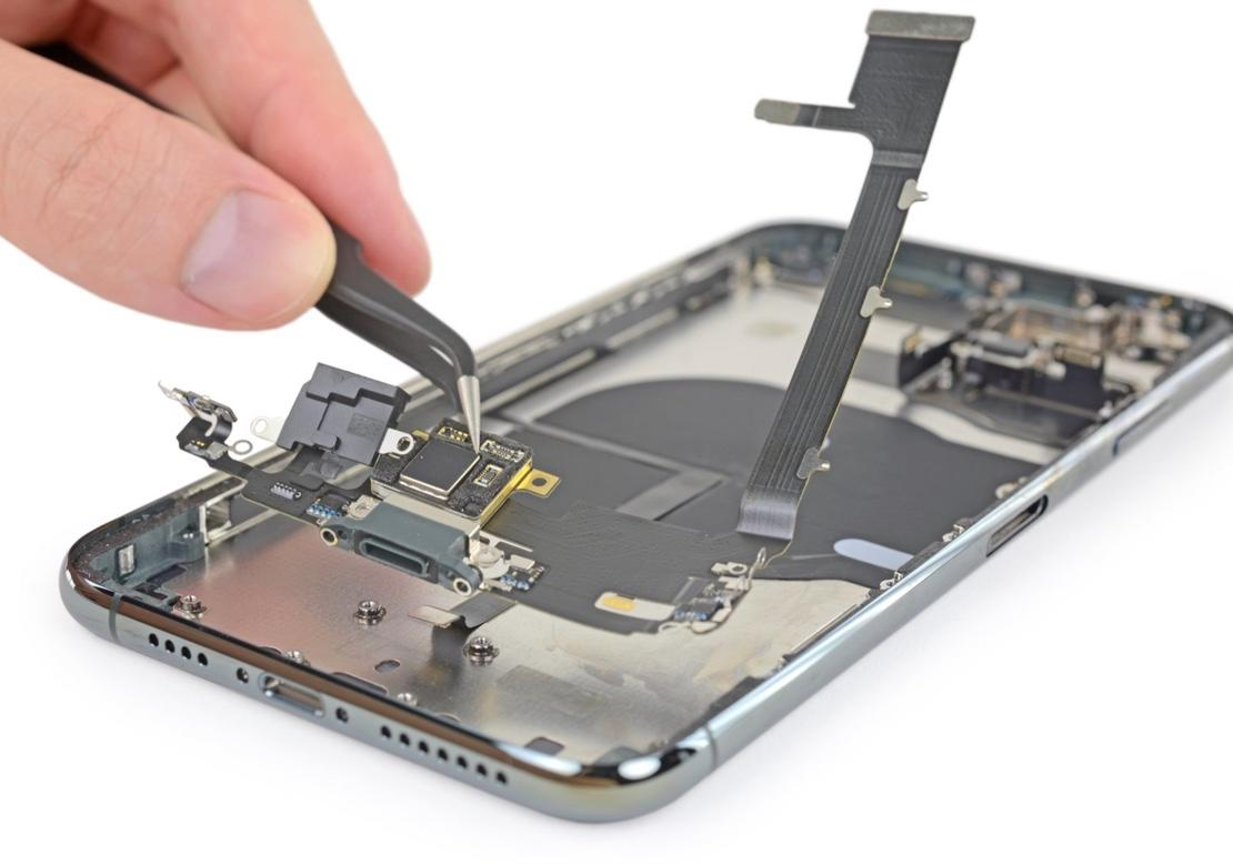 iPhone 11 Pro Max components