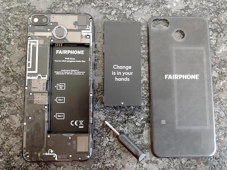 fairphone-3-back-open.jpg