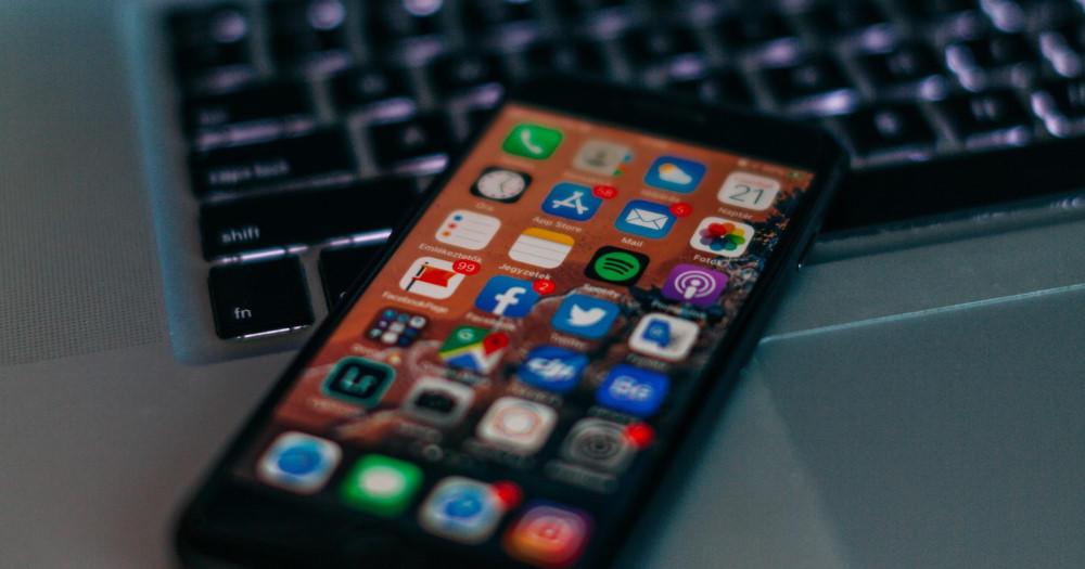 phone-apps-laptop.jpg