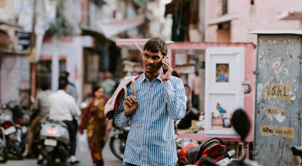 india-pakistan-phone.jpg
