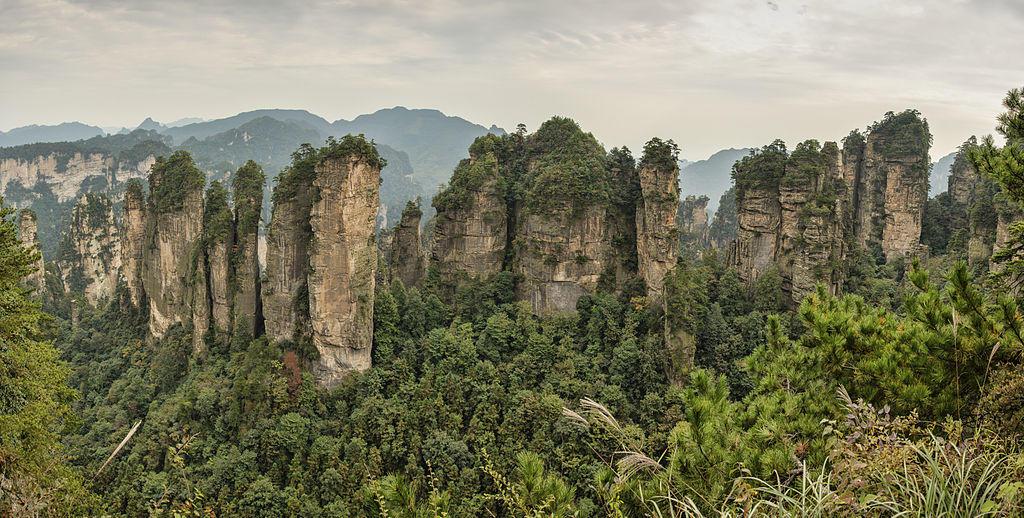 1-zhangjiajie-huangshizhai-wulingyuan-panorama-2012.jpg
