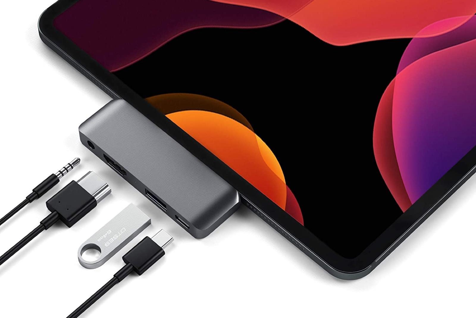 Satechi Aluminum Type-C Mobile Pro Hub