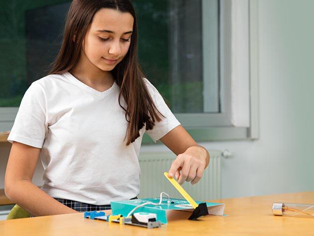 zdnet-diy-robot-curiosity-kit-for-ages-8-to-10.jpg