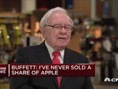 Warren Buffett has sold his Oracle shares but retained his $44 billion investment in Apple