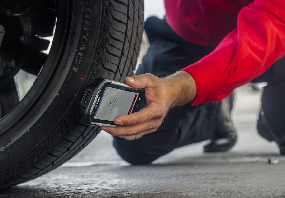 discount-tire-tread-reader.jpg