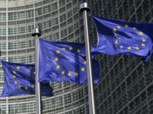 EU to Skype, WhatsApp: You'll have to support emergency calls under new rules
