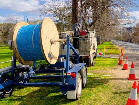 07-fiber-installation-istock-kummeleon.jpg