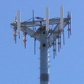 Transmitting_tower_top_us