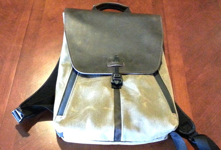 staad-backpack-frontal-v1