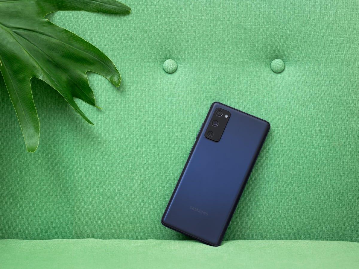 Samsung: le S20FE est maintenant disponible avec 256Go de stockage