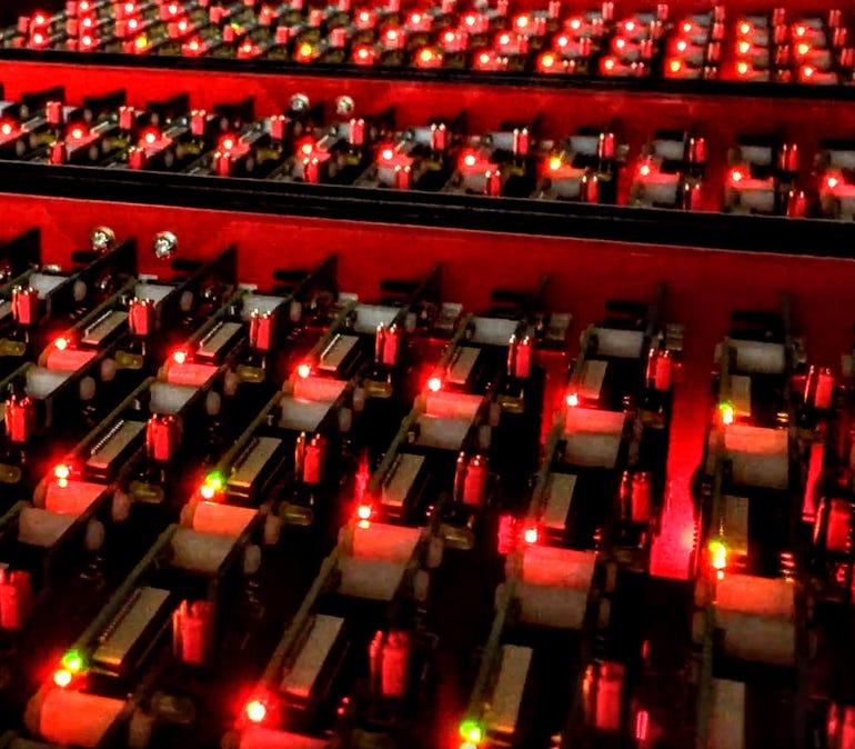 gf13k-bitscope-blade-cluster-lights.jpg