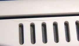 MacBook cracks