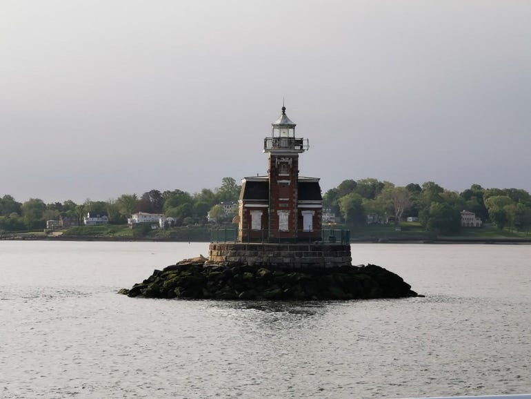 5x optical zoom on the lighthouse