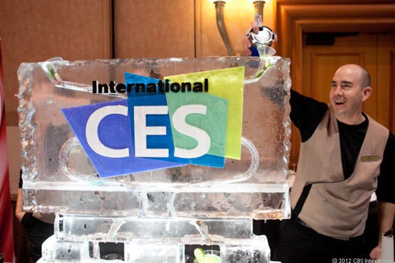 ces-unveiled-2013-ice-sculpture-josh-miller-cnet-620px