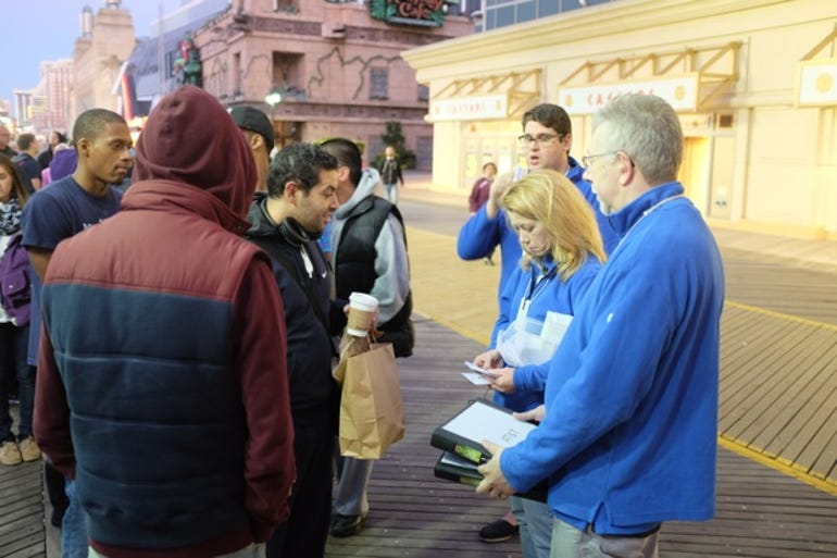 Tales from the iPhone line in Atlantic City - Staff briefing - Jason O'Grady