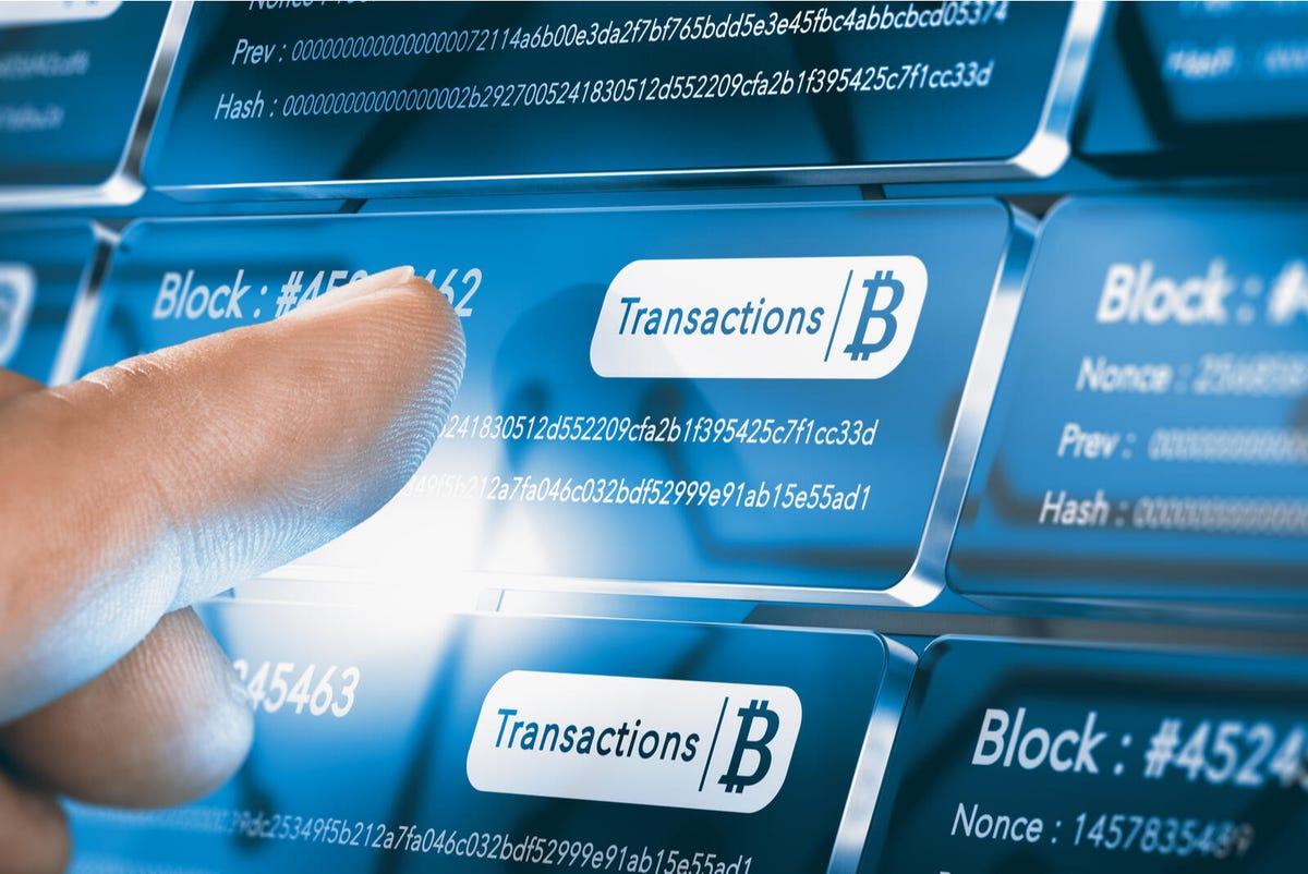 Vyžaduje každá bitcoinová transakce platbu poplatků?