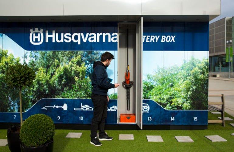husqvarna-battery-box.jpg