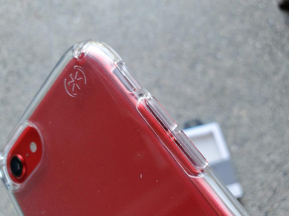 speck-iphone-se-3.jpg