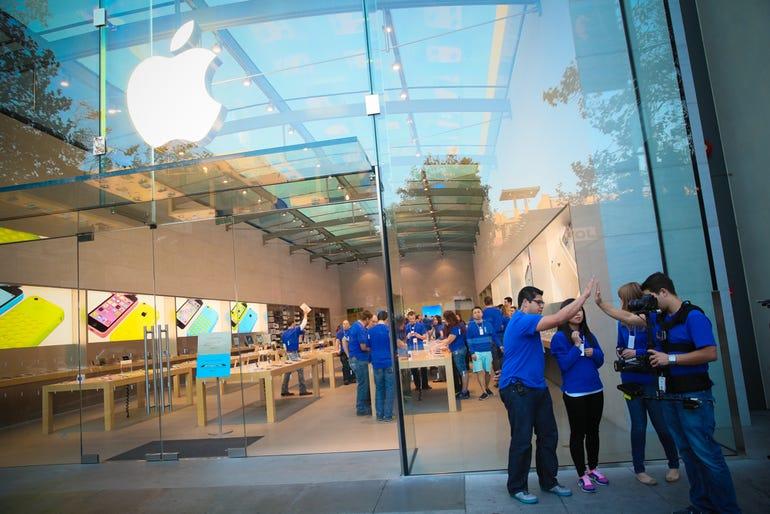 palo-alto-apple-store-iphone5S-3954