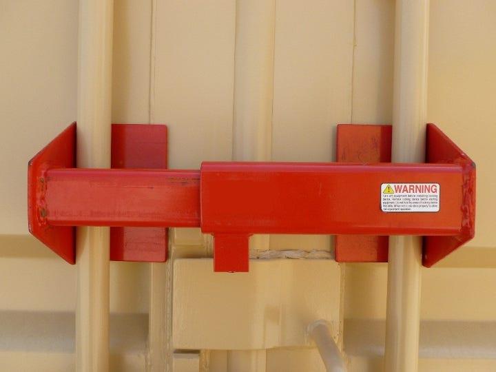 container-door-lock.jpg
