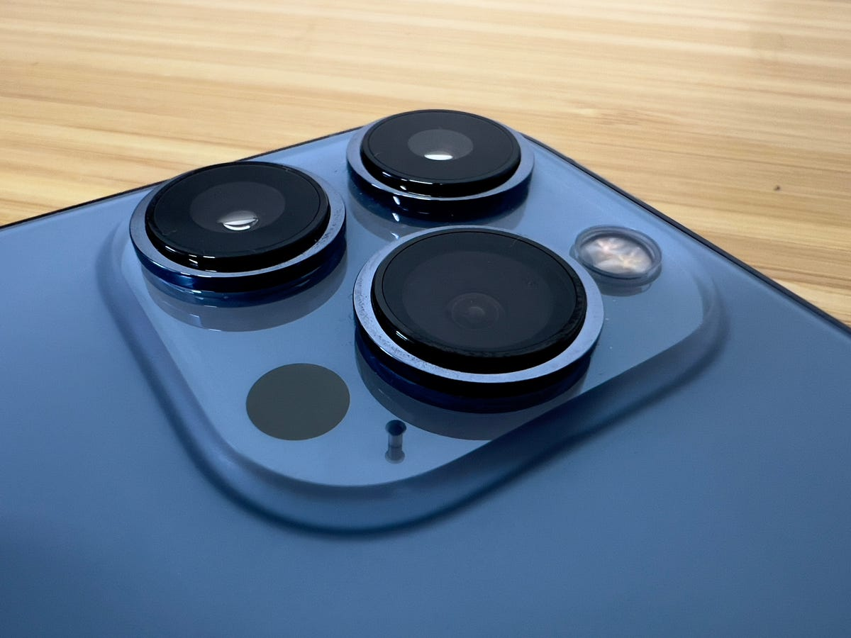 iphone-13-pro-max-cameras.jpg