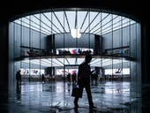 Apple gearing up to release 'expensive' VR headset as early as 2022