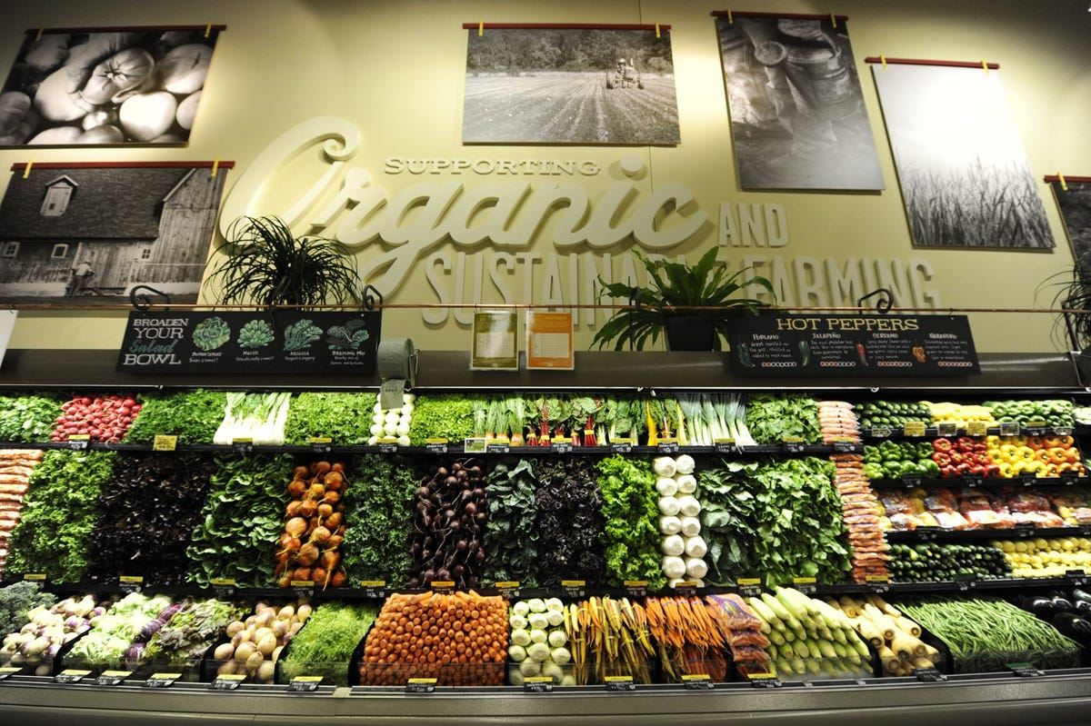whole foods organic produce section
