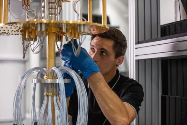 AWS aims to build a large-scale superconducting quantum computer
