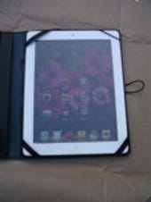 Image Gallery: iPad 2 in the case