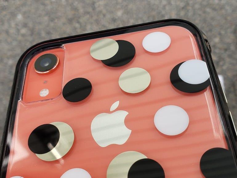 Wallpapers in Metallic Dot pattern