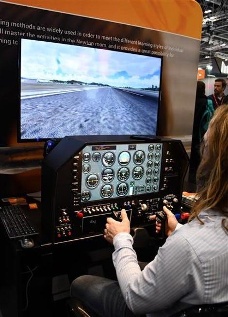 Desktop flight simulator on the NewtonRoom stand